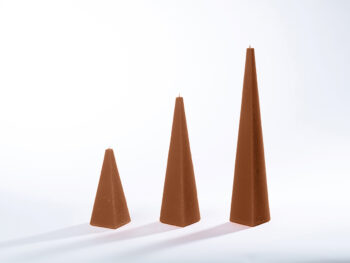 Pyramidenkerzen braun