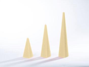 Pyramidenkerzen creme
