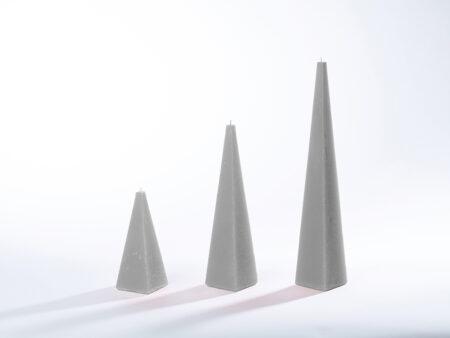 Pyramidenkerzen grau