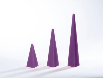 Pyramidenkerzen lila
